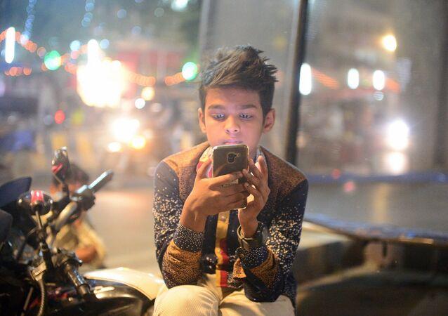 Çocuk - ergen - ekran - akıllı telefon - Hindistan