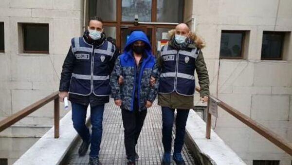 Bursa'da sokak ortasındaki tacize 1 yıl 15 gün hapis - Sputnik Türkiye