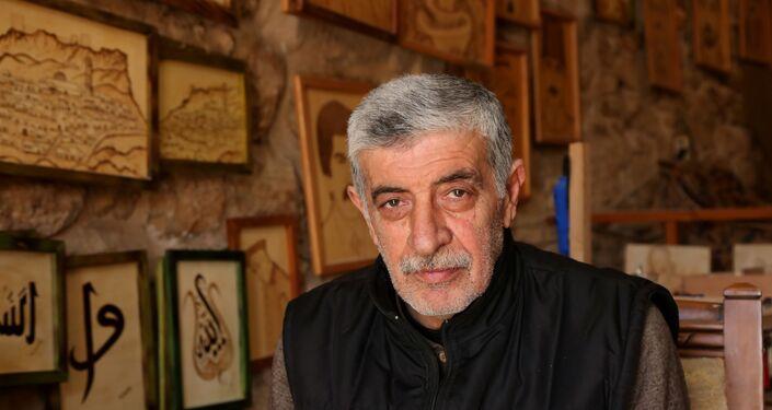 Dağlama ve rölyef sanatçısı Mehmet Selim Gökçen, aslında 20 yıllık kartonpiyer ve dekorasyon ustası. Gökçen, çocukluğunda sanata ve resim konusundaki yeteneği ile dikkat çeker.
