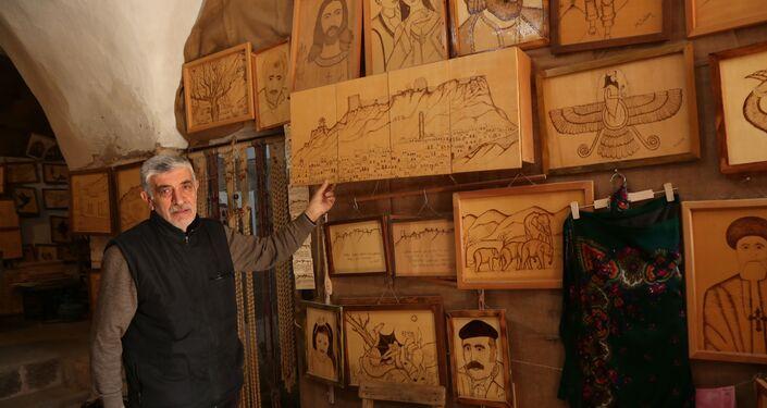 Ardından Mardin'e dönen Gökçen, Mardin mimarisinde kullanılan taş ustalığı yaptı ve önemli çalışmalara imza attı.