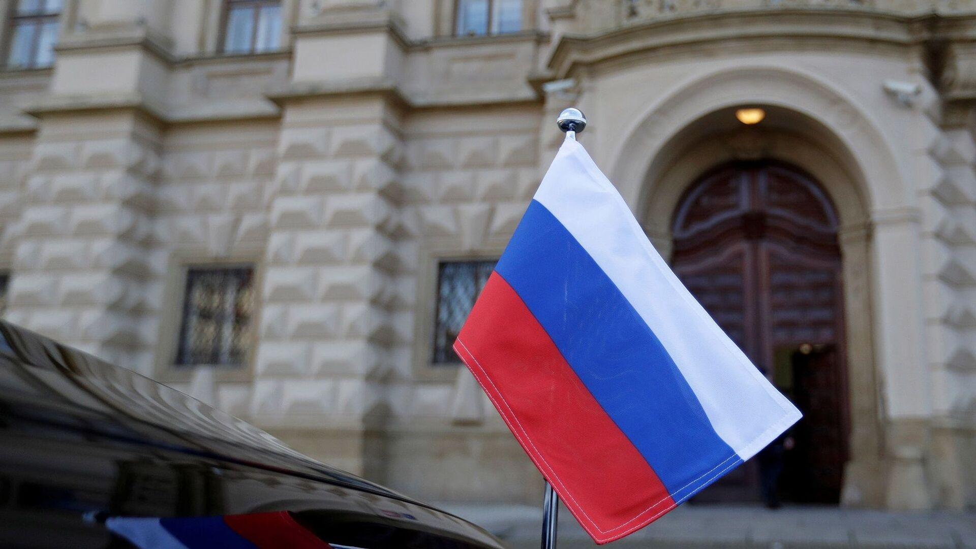 Çekya Dışişleri Bakanlığı binası - Rusya bayrağı - Sputnik Türkiye, 1920, 26.04.2021