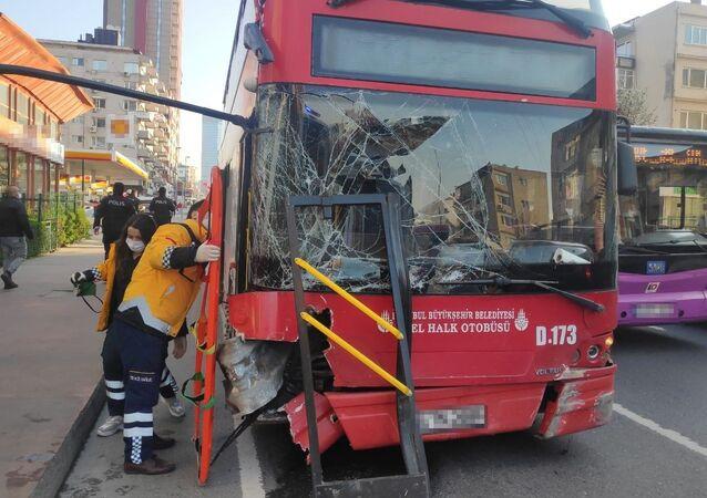çift katlı otobüs, kaza, Beşiktaş