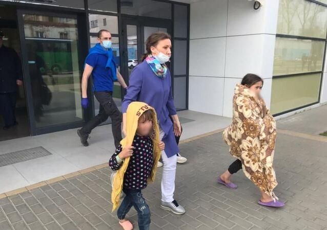 Suriye'deki mülteci kamplarında kalan 44 çocuk Moskova'ya getirildi