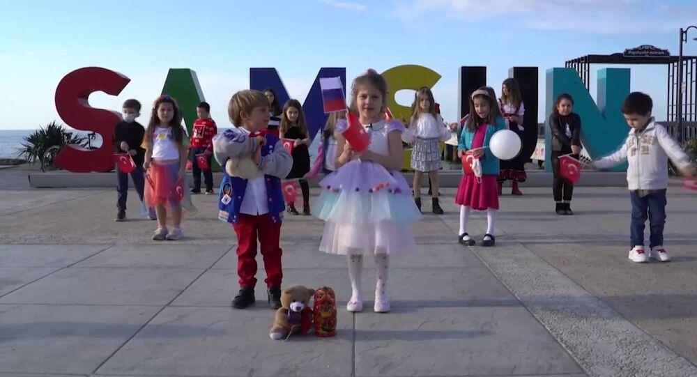 Samsunlu çocuklardan Rus çocuklara 23 Nisan mesajı