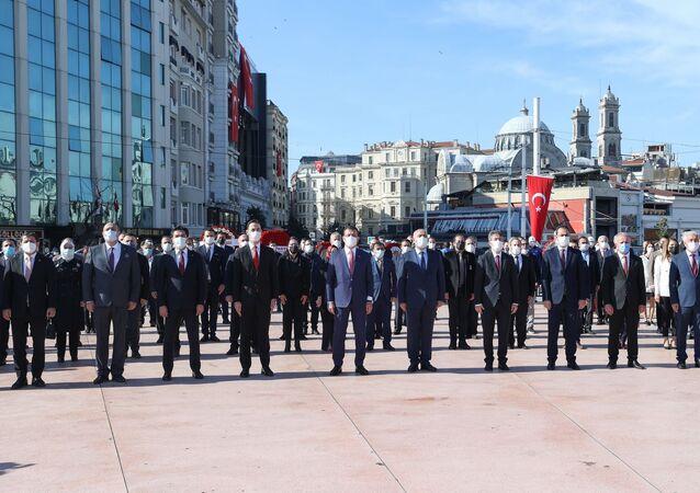 23 Nisan Ulusal Egemenlik ve Çocuk BayramıdolayısıylaTaksim'de organize edilen tören