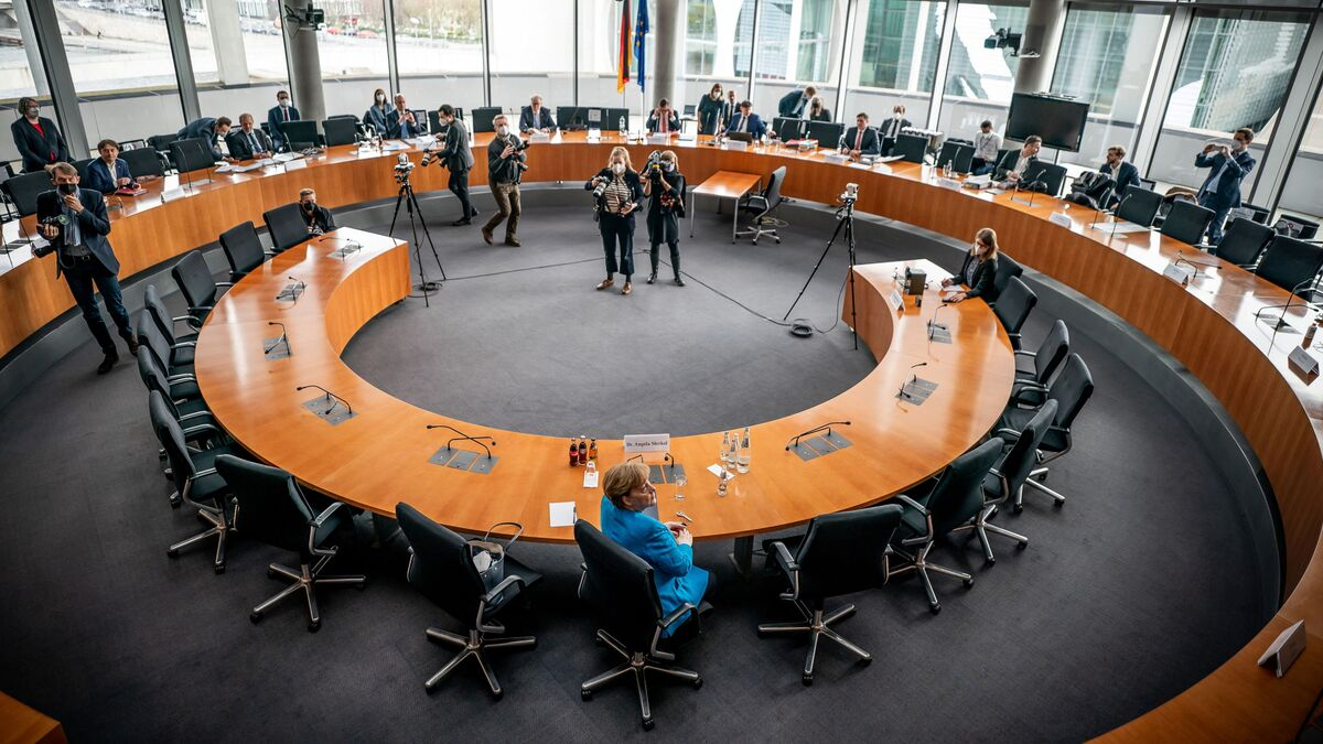 Wirecard skandalında ifade veren Merkel, 'üç maymunu' oynadı - Sputnik  Türkiye