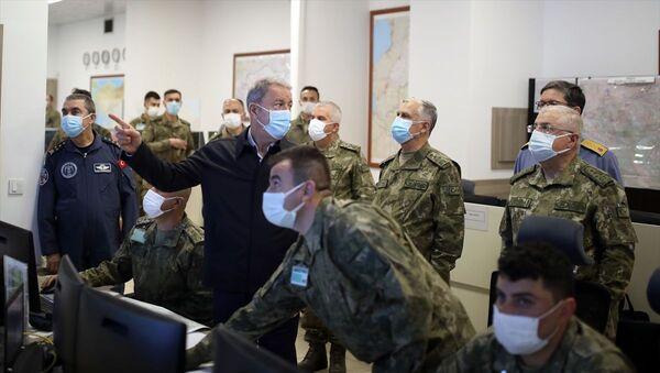 Metina'ya operasyon - Hulusi Akar - Sputnik Türkiye