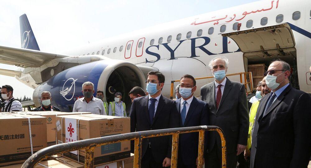 Çin'n Suriye'ye bağışladığı 150 bin doz yeni tip koronavirüs (Kovid-19) aşısını taşıyan uçak, bugün ülkenin başkenti Şam'a iniş yaptı.