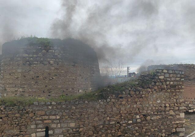 2 bin yıllık İznik surlarında yangın