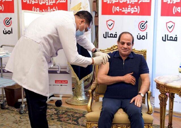 Mısır Cumhurbaşkanı Sisi Kovid-19 aşısı oldu