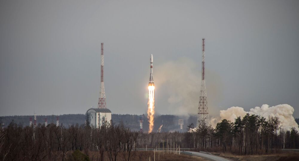 Rusya, OneWeb'e ait 36 uyduyu daha uzaya fırlattı