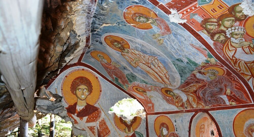 Sümela Manastırı'nda yürütülen restorasyon çalışmalarında gizli bir geçitle ulaşılarak bulunan şapel