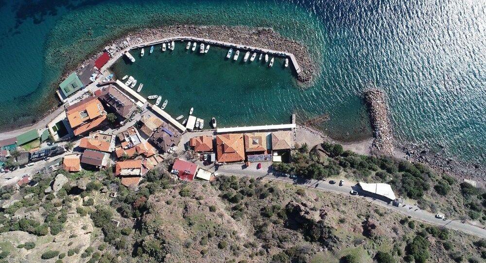Assos Antik Limanı