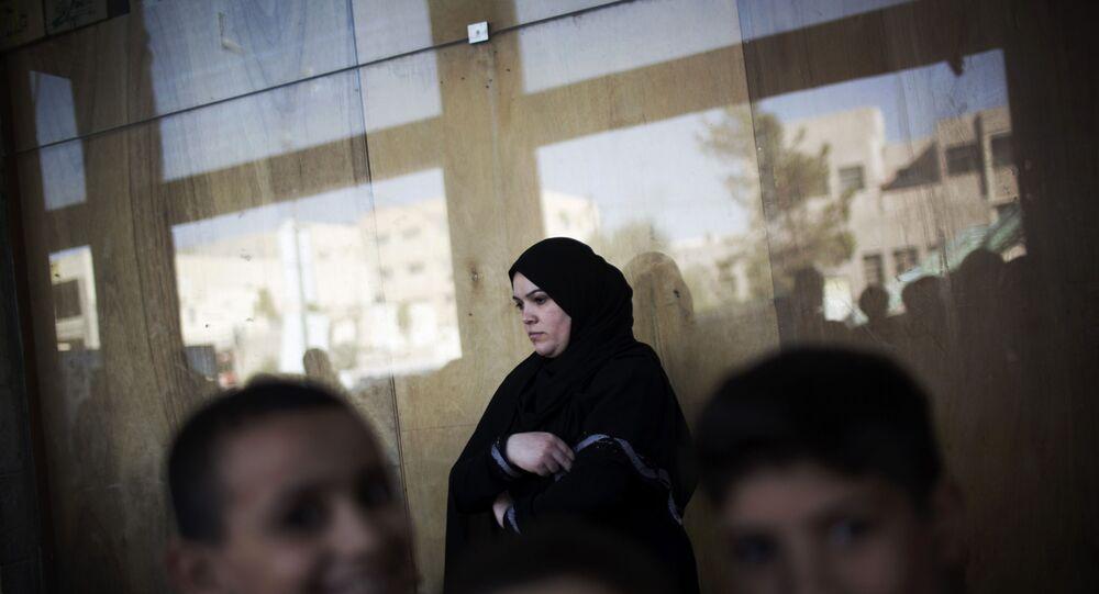 AB'den, yüzlerce Suriyeliyi geri gönderme kararı alan Danimarka'ya tepki