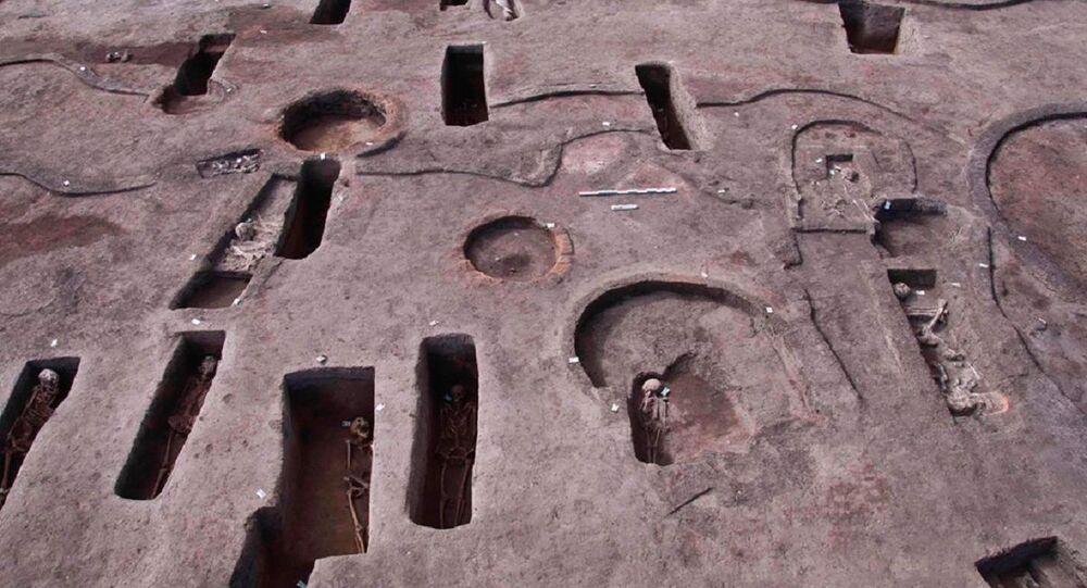 Mısır'ın Dekhaliye kentinde milattan öncesine ait 110 mezar bulunduğu açıklandı.