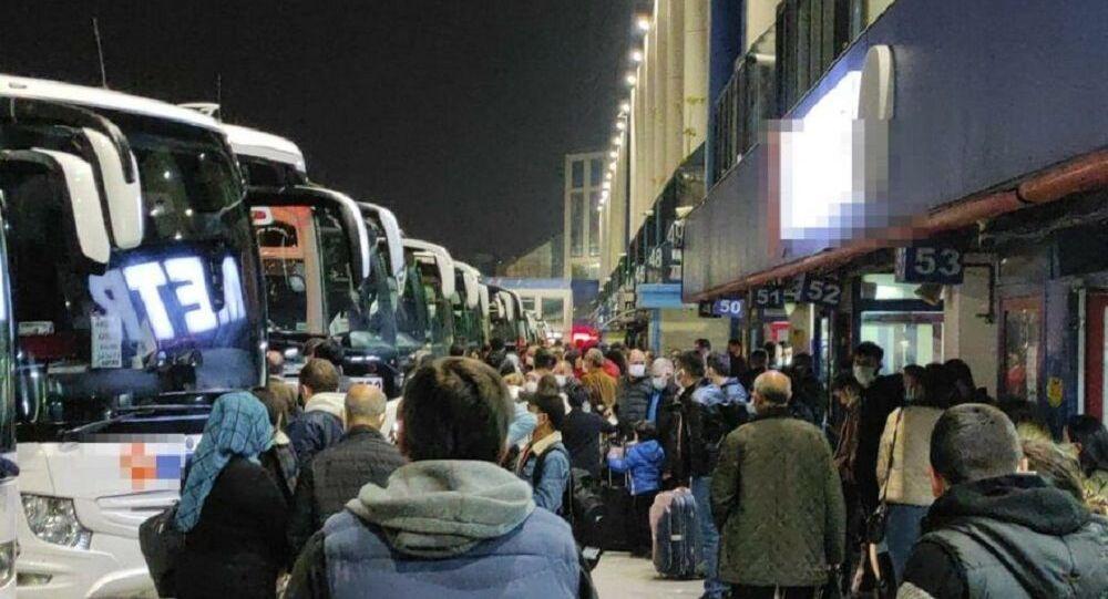 İstanbul-otogar-kalabalık