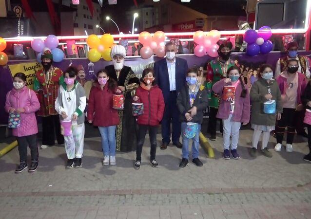 Samsun'un Bafra ilçesinde 6 asırlık gelenek olan Sele Sepet Top Kandil etkinliği, korona virüs tedbirleri kapsamında farklı bir şekilde yapıldı.