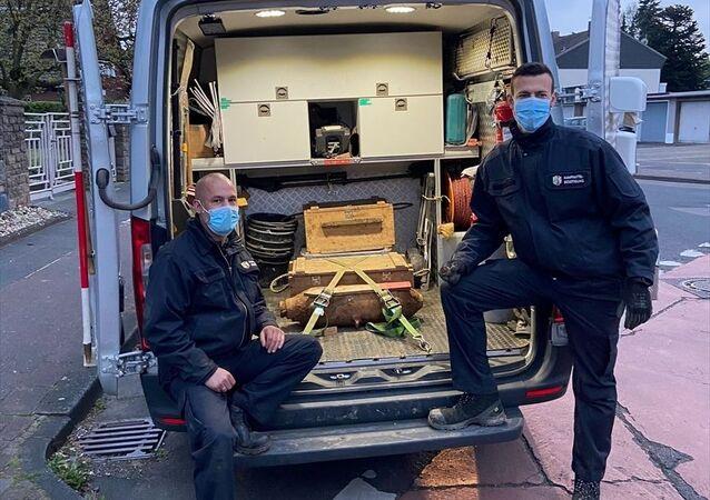 Almanya'nın Köln kentinde bulunan, İkinci Dünya Savaşı'ndan kalma patlamamış bomba etkisiz hale getirildi.