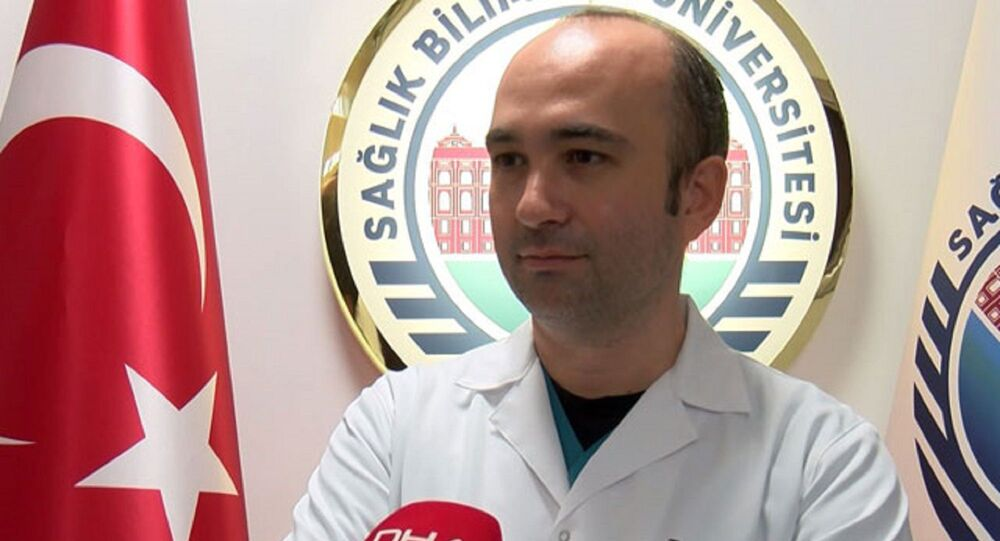 Sağlık Bilimleri Üniversitesi Gülhane Eğitim ve Araştırma Hastanesi Enfeksiyon Hastalıkları ve Klinik Mikrobiyoloji Uzmanı Doç. Dr. Ümit Savaşçı