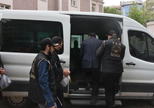 İzmir merkezli TSK yapılanmasına yönelik FETÖ operasyonu