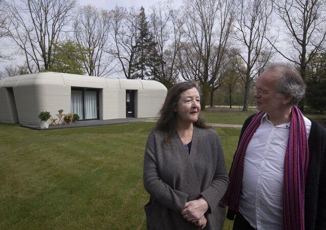 Hollandalı çift, Avrupa'nın ilk tamamen 3D baskılı evine taşındı