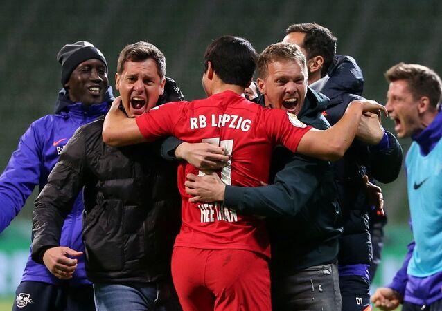 Almanya Kupası yarı finalinde normal süresi 0-0 berabere tamamlanan karşılaşmada Leipzig, uzatma bölümlerinin sonunda Werder Bremen'i 2-1 yenerek finale yükseldi.