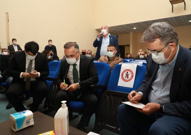 İkizdere'de açılması planlanan taş ocağı ile ilgili bilgilendirme toplantısı yapıldı