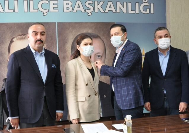 Torbalı'da Deva Partili meclis üyesi, AK Parti'ye geri döndü