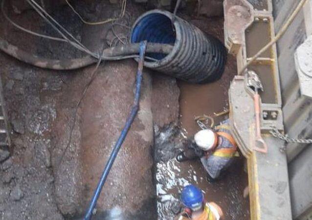 İngiltere'de 300 tonluk yağ kütlesi kanalizasyonu tıkadı