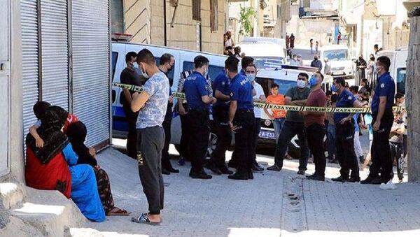 Evde poşet içinde bebek cesedi bulundu - Sputnik Türkiye