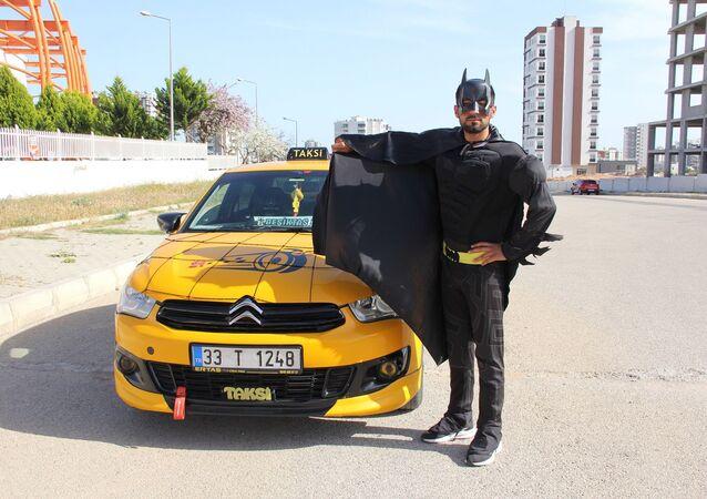 Mersin'de taksicilik yapan Ömer Efe Tektaş