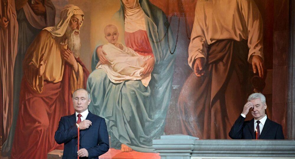 Vladimir Putin, Paskalya Bayramı kutlama, Rus Ortodoks Christ The Saviour Katedrali