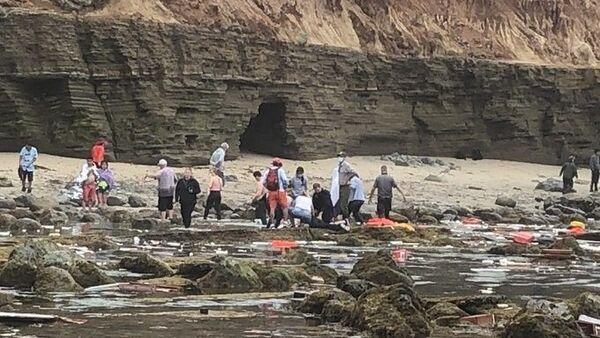 ABD'nin Kaliforniya eyaleti açıklarında alabora olan gemide 2 kişinin hayatını kaybettiği aktarıldı. - Sputnik Türkiye