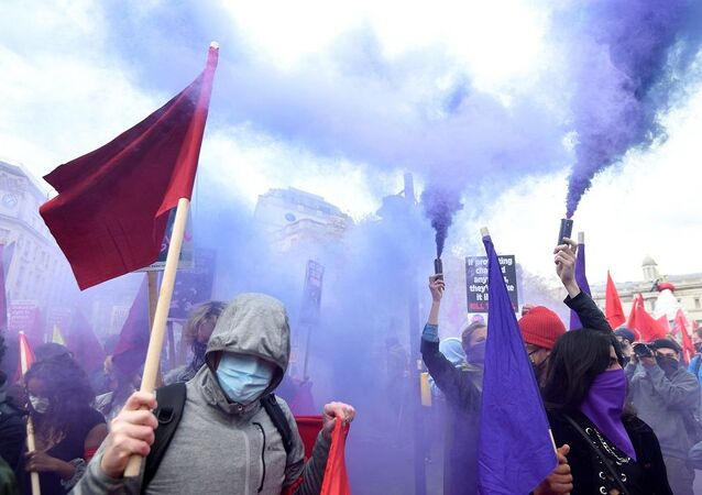 İngiltere protesto