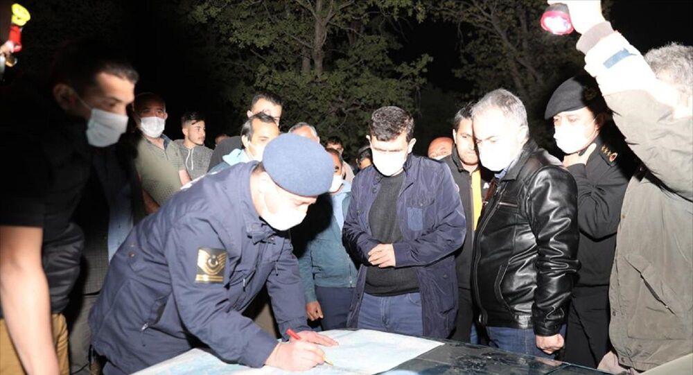 Burdur'un Altınyayla ilçesinde kaybolan otizmli çocuk için arama kurtarma ekipleri
