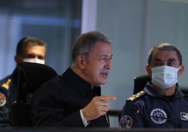 Milli Savunma Bakanı Hulusi Akar