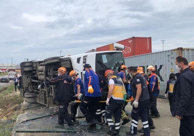 Bursa'da servis aracı kaza yaptı