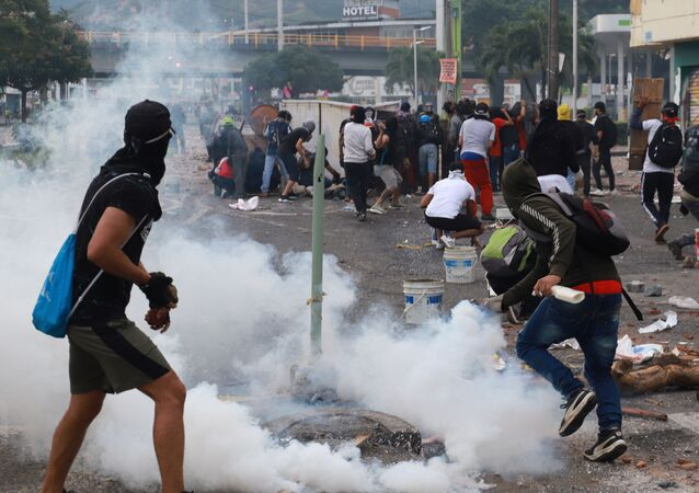 Kolombiya'da vergi reformu karşıtı protestolar