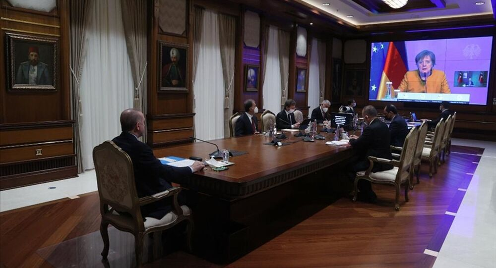 Cumhurbaşkanı Erdoğan, Almanya Başbakanı Merkel ile video konferans yöntemiyle görüştü.