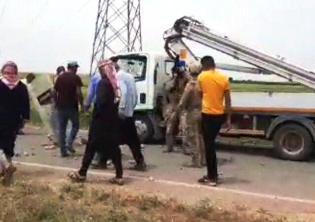 Elektriği kesen ekipler ile vatandaşlar arasında kavga çıktı: 4 yaralı