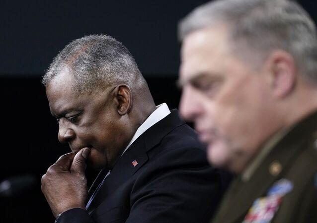 ABD Genelkurmay Başkanı Orgeneral Mark Milley, ABD Savunma Bakanı Lloyd Austin ile Pentagon'da ortak basın toplantısı düzenledi.