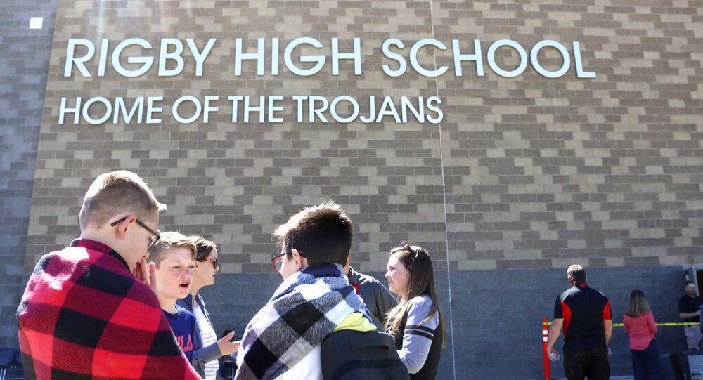 ABD'nin Idaho eyaletindeki bir ortaokulda düzenlenen silahlı saldırıda 3 kişinin yaralandığı belirtildi.