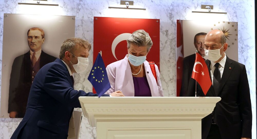 İçişleri Bakanı Süleyman Soylu, Avrupa Birliği (AB) İçişleri KomiseriYlva Johanssonile görüştü.