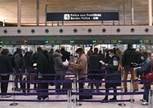fransa koronavirüs havaalanı
