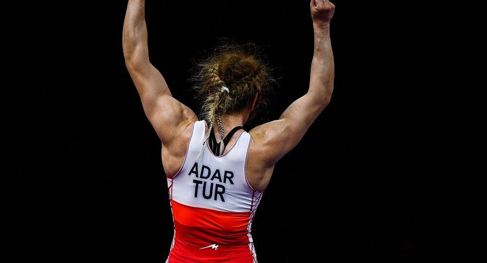 Tokyo 2020 Dünya Eleme Turnuvası'nda finale yükselen Türk güreşçi Yasemin Adar, finalde Ukraynalı Alla Belinska ile karşılaşacak.