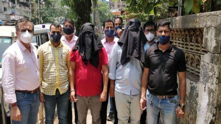 Hindistan'ın Maharaştra eyaletinde polis, yasa dışı şekilde 7 kilogramuranyumsatmaya çalışan 2 kişiyi yakaladı