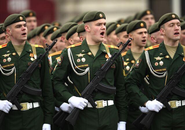 9 Mayıs Zafer Bayramı askeri geçit töreni