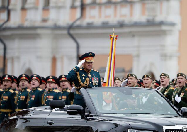 Rusya Savunma Bakanı Sergey Şoygu 9 Mayıs Zafer Bayramı askeri geçit törenine katılıyor. 9 Mayıs 2021.