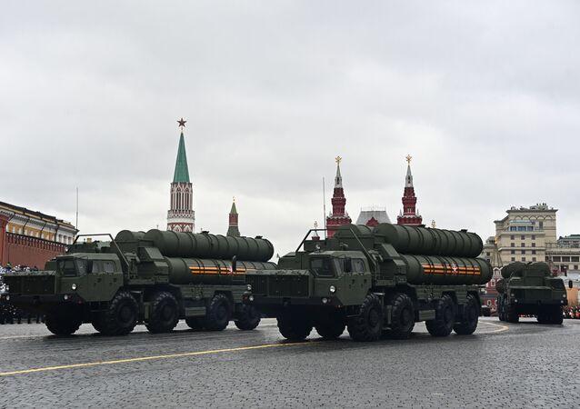 9 Mayıs Zafer Bayramı askeri geçit törenine katılan S-400 Triumf hava savunma sistemleri. 9 Mayıs 2021.