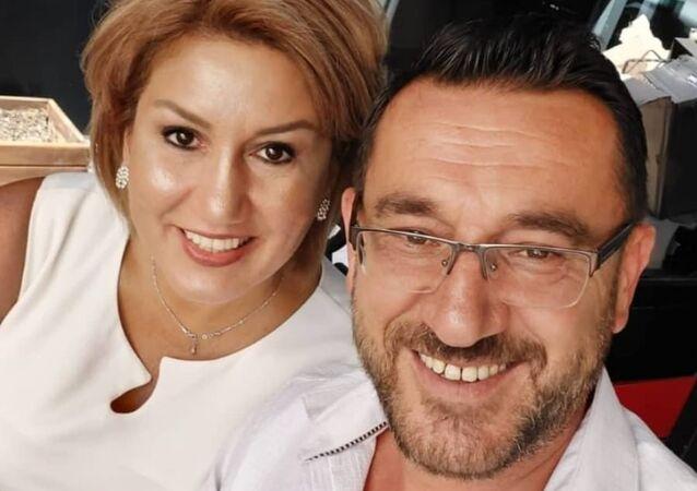 Ankara'nın Çankaya ilçesinde bir kadın doktor, kocası tarafından önce işkenceye uğradıktan sonra göğsünden bıçaklanarak öldürüldü.